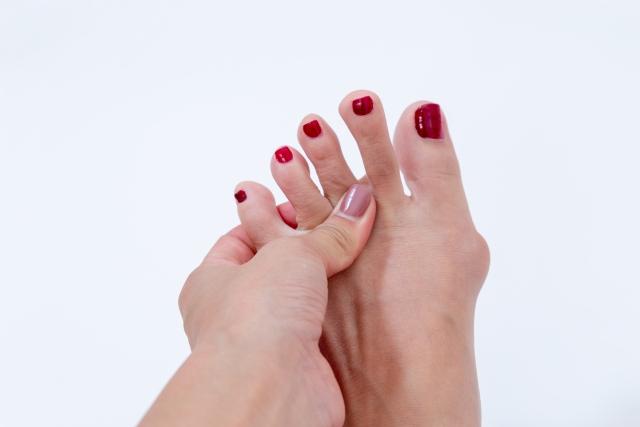 靴のつま先が痛い場合に詰め物を入れるのは大丈夫なの?